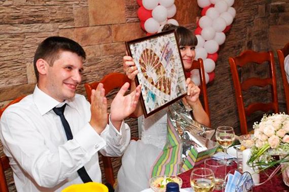 Фото необычных подарков своими руками на свадьбу